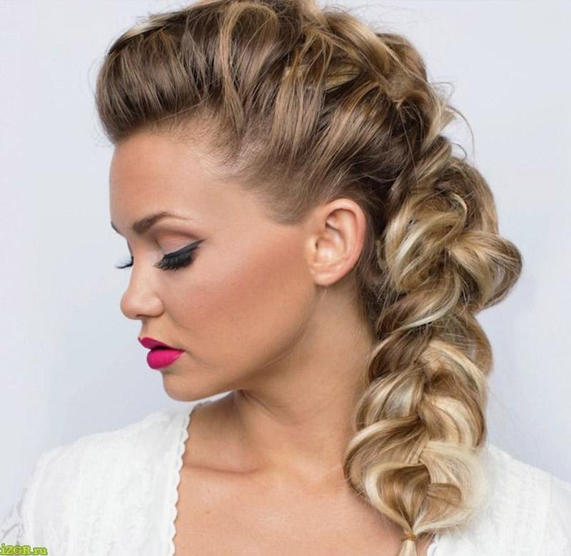 праздничные прически с плетением на средние волосы